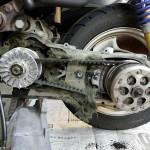 ジョグ 原付スクーターのドライブベルト&ウエイトローラー交換 固着キックペダル修理